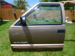 FREE for immediate pick-up: Left Front and Rear Doors to fit Lat