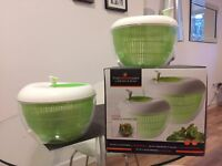 Set of salad spinners