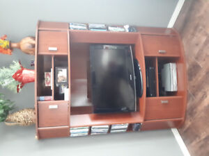Corner tv cabinet w lots of storage