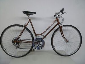 Ladies Schwinn 'Continental' Road Bike