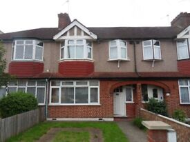 UB6 GREENFORD 3 BEDROOM HOUSE TO LET