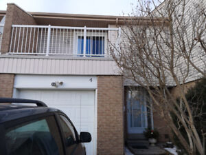 500 Osgoode Dr. - For Sale by Owner