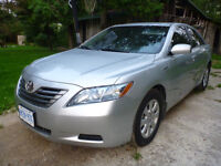 2008 Toyota Camry HYBRID FULLY LOADED. Clean Saftey & Etest