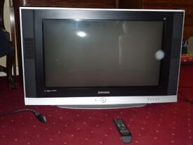 "SAMSUNG 30 inch HDMI ""Slim Fit"" + remote"