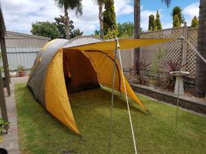Caribee Explorer-4 (4 person) Tent