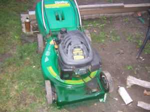 gas lawn mower with plastic grass catcher