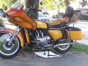 MOTORCYCLE ( Gold Wing )