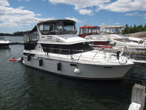 1989 CARVER 3807 AFT CABIN MARINA MANTAINED BOAT