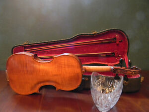 A vintage Guarneri violin with an amazing carved scroll pattern Kitchener / Waterloo Kitchener Area image 3