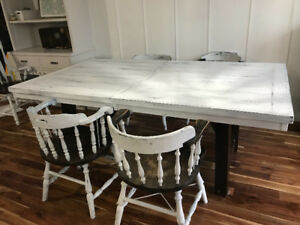 Shabby chic Annie Sloan chalk painted refurbished table/chairs