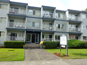 **SHORT TERM fully-furnished One bdrm Apt IN FANTASTIC location