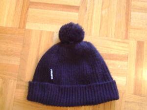 Chapeau, tuque,l'accessoire l'hiver Gusti grandeur 5ans-7ans