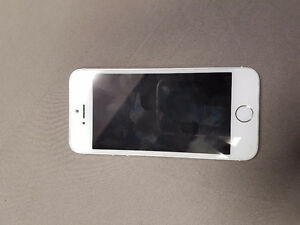 IPhone 5s 16gb locked with telus