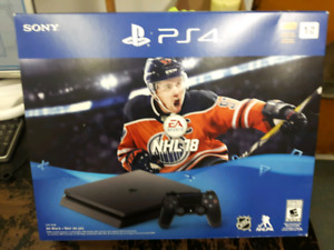 PLAYSTATION 4 SLIM 1TB AND NHL18