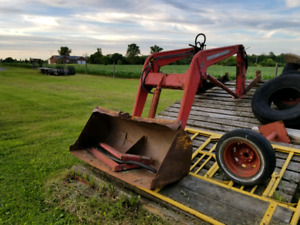 Massey Ferguson Loader Model 90 for sale