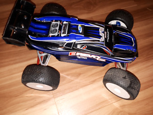 1/16 brushless traxxas e revo