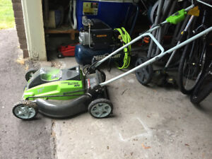 Lawnmower - 40V Cordless - Almost New!
