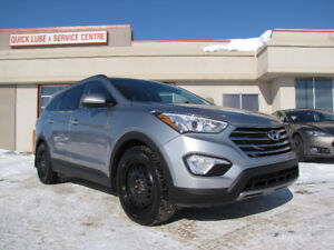 2013 Hyundai Santa Fe XL- Heated Seats, 3rd Row Seating!