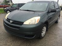 2005 Toyota Sienna Ce Minivan,7 seater,.Like new inside & out !
