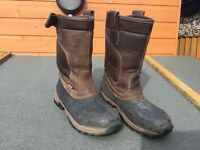 Nevis Hyena Safety Rigger Boot UK 10, EU 44.