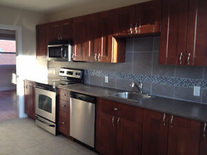April is Free! Storage! Yard! 3 Bed 6 Stainless appliances yard