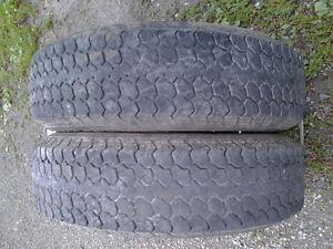 2 pneus de remorque,trailer,roulotte, st 205/75/15 pas cher