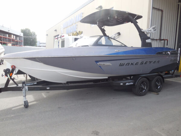 Used 2015 Other Malibu 23 LSV