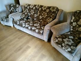 311 sofa suite