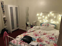 Large Double Room with Ensuite near Milton Road in Friendly House
