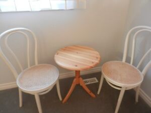 SMALL ROUND TABLES FOR SALE !!!