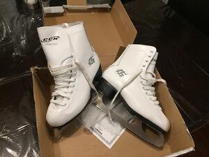 Brand new women's skates