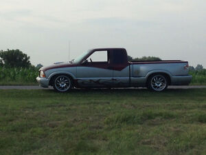 2002 GMC Sonoma Parts truck or buy for 1000$