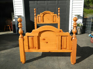 4 Poster pine bed