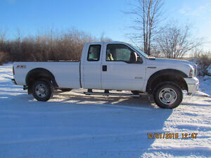 2007 Ford F-250 XLT Pickup Truck extend a cab
