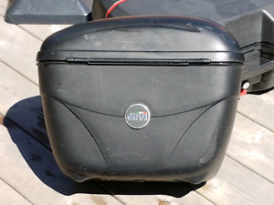 Givi hard cases and brackets 2000 vfr 800