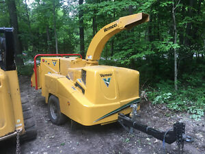 Vermeer BC1000xl wood chipper brush chipper