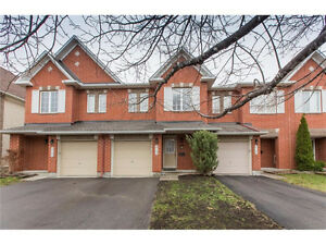 Beautiful townhouse in Orleans for sale!