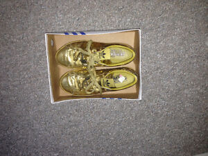 Brand New adidas golden shoes(size US 7.5) are on sale