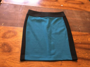Lord and Taylor pencil skirt teal and black size 8P