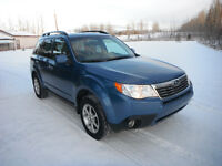 2010 Subaru Forester 2.5 Touring package Winter Ready!