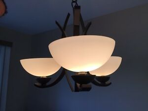 Dining room light for sale like new Windsor Region Ontario image 2