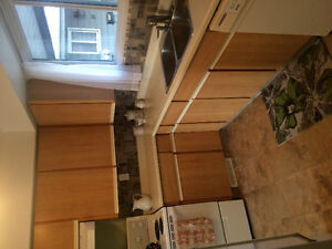 TOWNHOUSE FOR RENT-BRIGHT AND SUNNY END UNIT!
