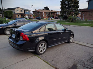 2008 Volvo S40 Sedan..Valid E-Teat.. Needs nothing for Safety