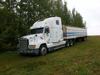 Harvest truck and grain trailer