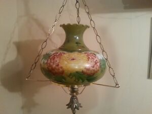 Lampe antique suspendue