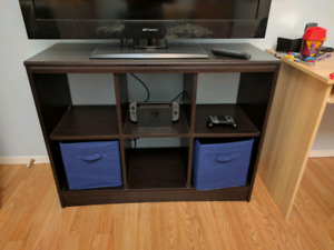Cubby stand