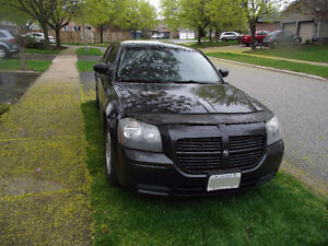 2005 Dodge Magnum with only 174850 km.