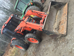 selling a kubota m4900 with loader