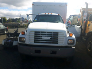 2002 gmc 6500 with 15 foot box $6500 obo or trade