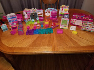 A bunch of shopkins $30 takes them all